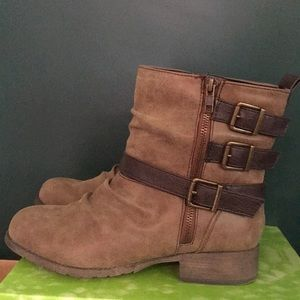 Hot Tomato Tiff Buckle Boot Size 8.5